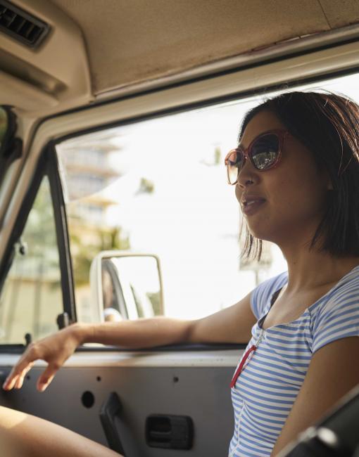 Scenic drive to Kaimana Beach