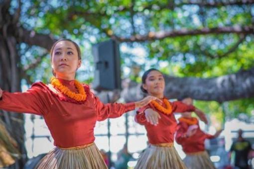 Hula at the Lahaina Banyan Tree Ho'olaule'a