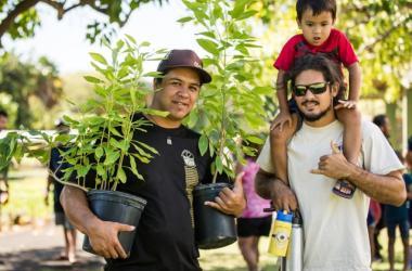 Arbor Day 1,000 Hawaiian Tree Giveaway