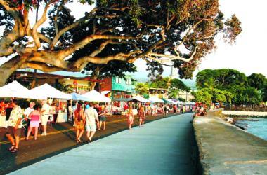 Kokua Kailua Monthly Stroll