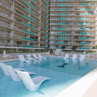 Ilikai Hotel Pool