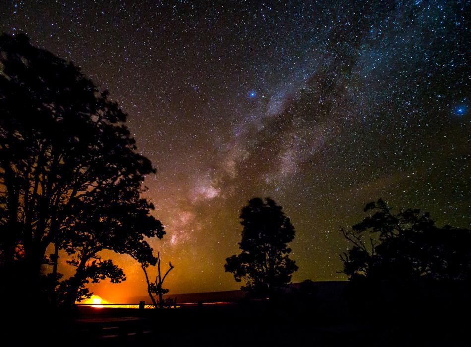 Halema'uma'u Crater & Milky Way by Janice Wei