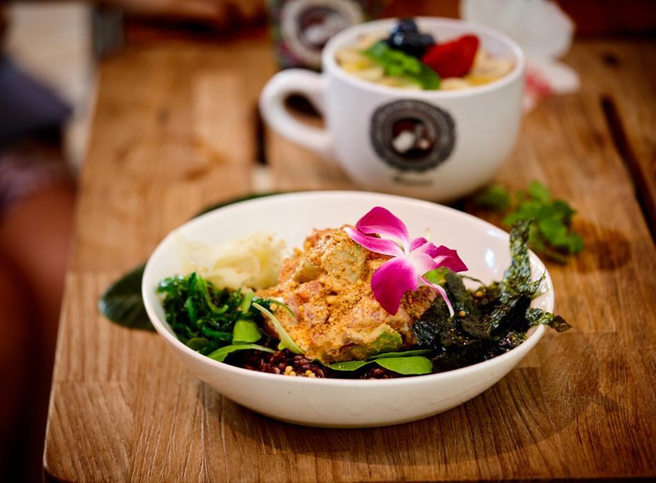 Island Vintage Coffee Food - Poke & Acai Bowl