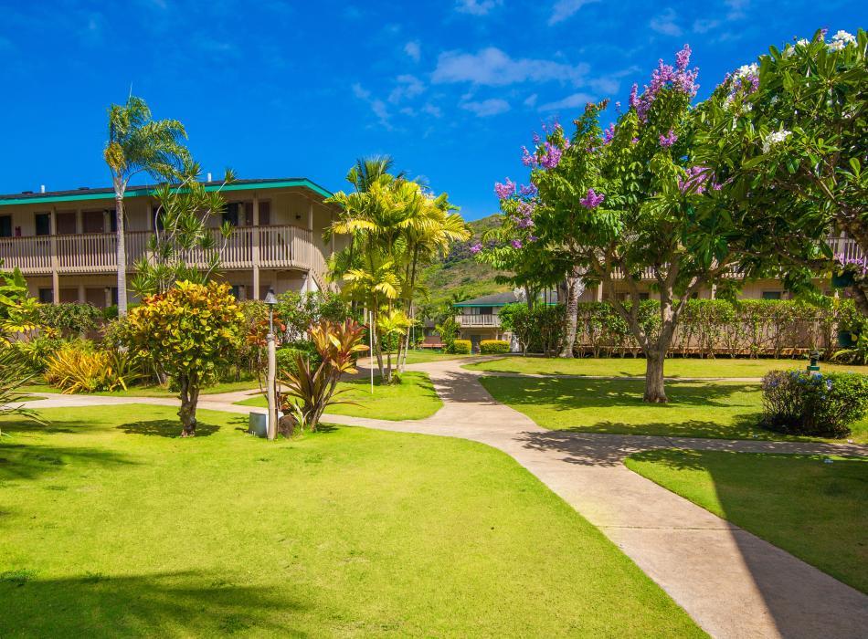 Kauai Inn Grounds