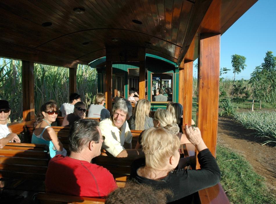 Kilohana Fred & Passengers
