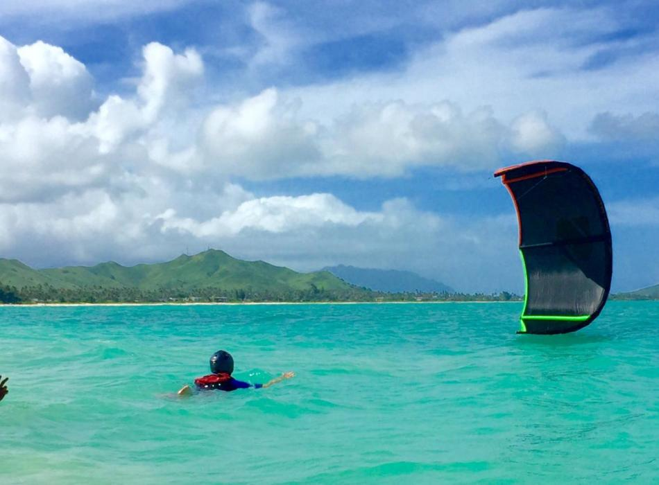 """Learning to kiteboard - """"Body dragging"""" in the water"""