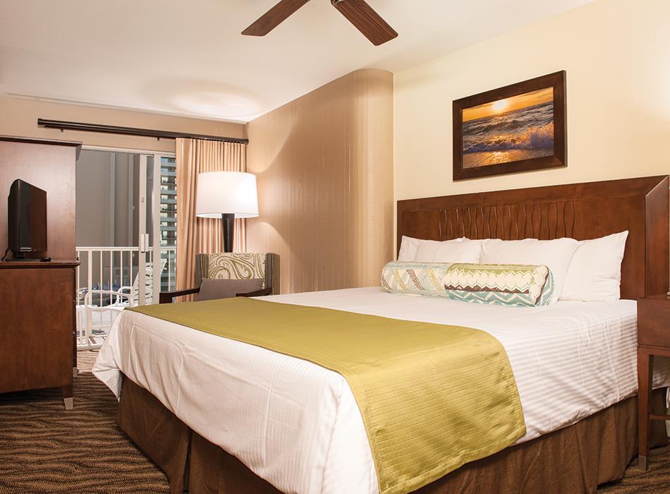 Wyndham at waikiki beach walk go hawaii - 2 bedroom suites honolulu hawaii ...