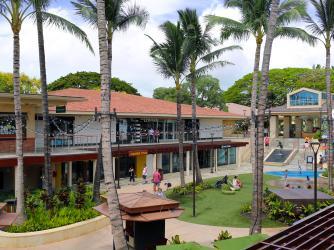 Whalers Village Courtyard