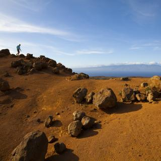 Hiking at Keahiakawelo, the Garden of the Gods, in North Lanai